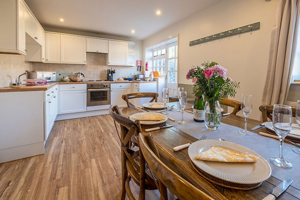 Open plan living, dining and kitchen At Shalfleet Barn