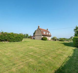 Shalfleet Farmhouse Garden View
