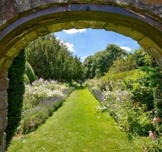 Shalfleet Manor